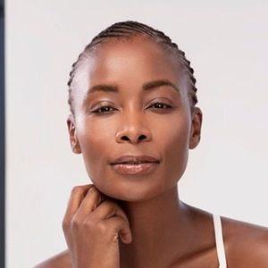 Bonnie Mbuli 5 of 6