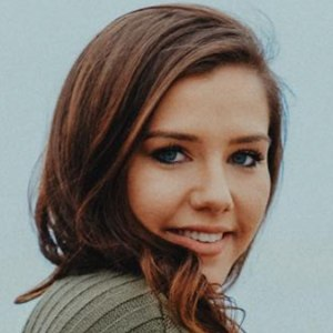Briana Shaffer 4 of 6