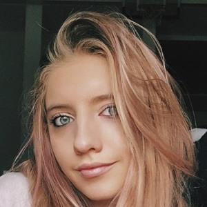 Brianna Foster Headshot 9 of 10