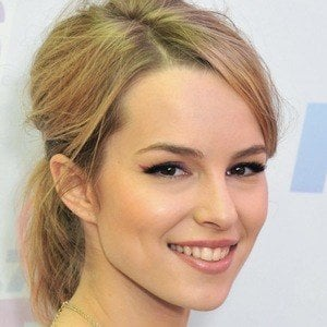 Bridgit Mendler 5 of 9