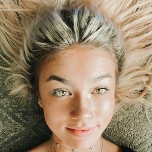 Brielle Nicole Headshot 4 of 10