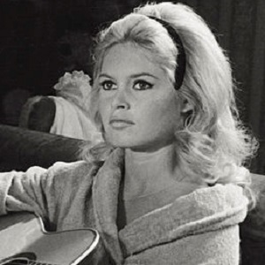 Brigitte Bardot 4 of 5
