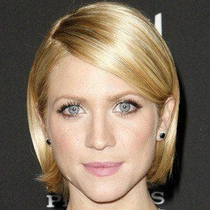 Brittany Snow 2 of 9