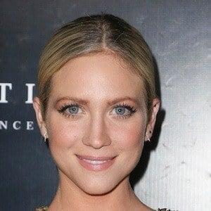 Brittany Snow 6 of 9