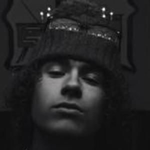Brody Alvey Headshot 7 of 10