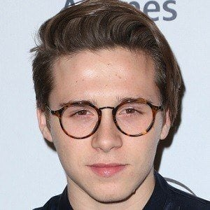 Brooklyn beckham bio facts family famous birthdays