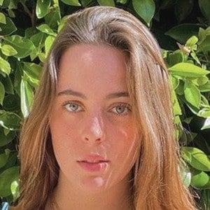 Bruna Neves Headshot 2 of 10
