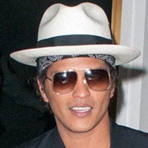 Bruno Mars 6 of 9