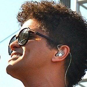 Bruno Mars 8 of 9