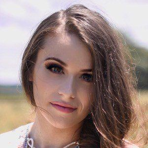Caitlin Beadles 4 of 10