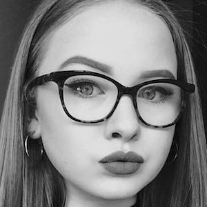 Caitlin Rhosyn 2 of 7