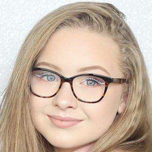 Caitlin Rhosyn 6 of 7