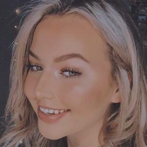 Caitlin Van Belle 4 of 6