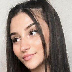 Cami Matarazzo Headshot 7 of 10