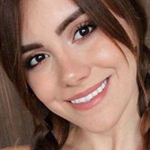 Camila Kisara 2 of 5