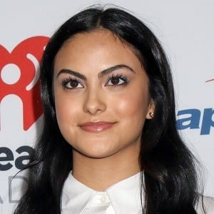 Camila Mendes 3 of 5