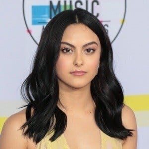 Camila Mendes 4 of 5