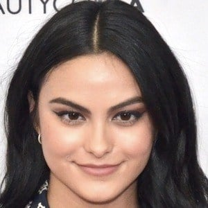 Camila Mendes 7 of 9