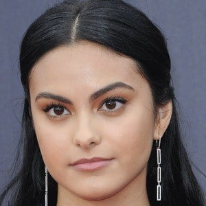 Camila Mendes 8 of 9