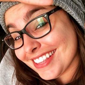 Camila Moscoso 4 of 5