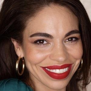 Camila Redondo Headshot 7 of 10
