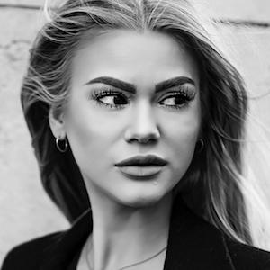 Camilla Frederikke 4 of 5