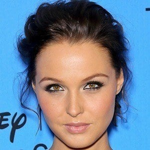Camilla Luddington 2 of 10