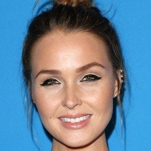 Camilla Luddington 8 of 10