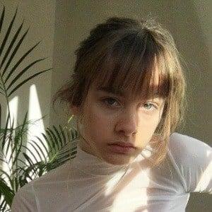 Camille Jansen 4 of 10