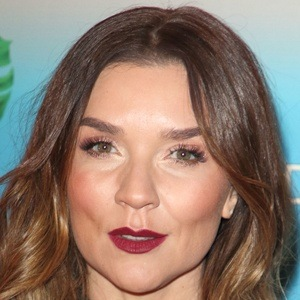 Candice Brown 5 of 10