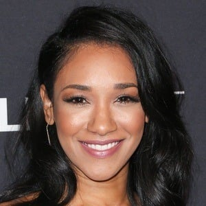 Candice Patton 6 of 7