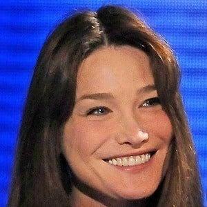 Carla Bruni 2 of 5
