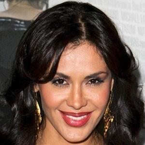 Carla Ortiz 4 of 5