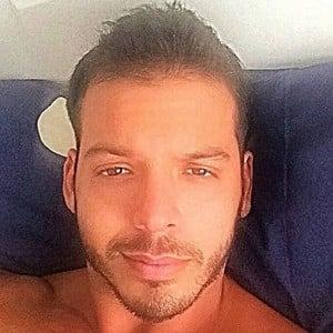 Carlos Mena 6 of 6