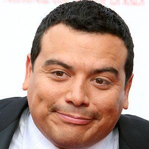 Carlos Mencia 4 of 10