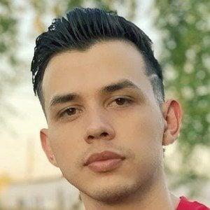 Carlos Parra 7 of 10