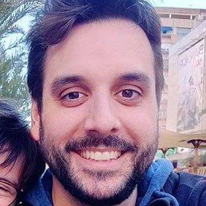 Carlos Roca 4 of 5
