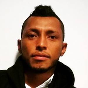 Carlos Valdés 2 of 6