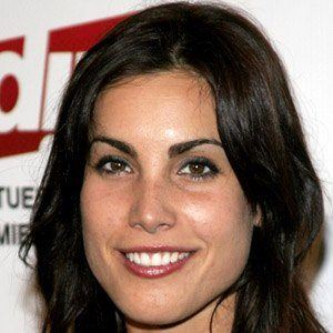 Carly Pope ypf