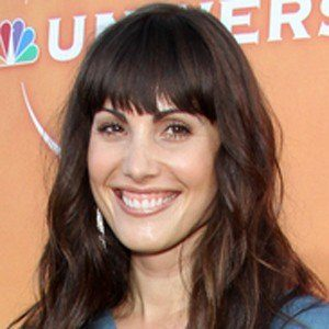 Carly Pope 4 of 4