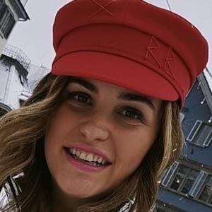 Carolina Ogliaro 3 of 5