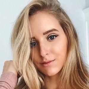 Caroline Zalog 2 of 6