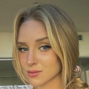 Caroline Zalog Headshot 9 of 10