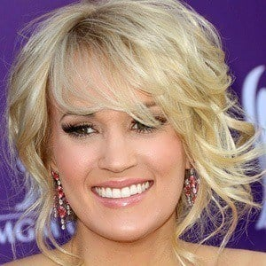 Carrie Underwood 3 of 10
