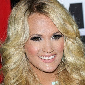 Carrie Underwood 4 of 10