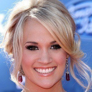 Carrie Underwood 5 of 10