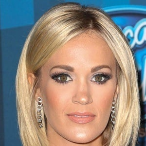 Carrie Underwood 6 of 10