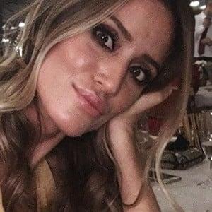Casandra Dodero 6 of 6