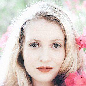 Cassandra Sage Briskman 2 of 6