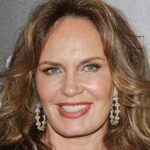 Catherine Bach 6 of 10